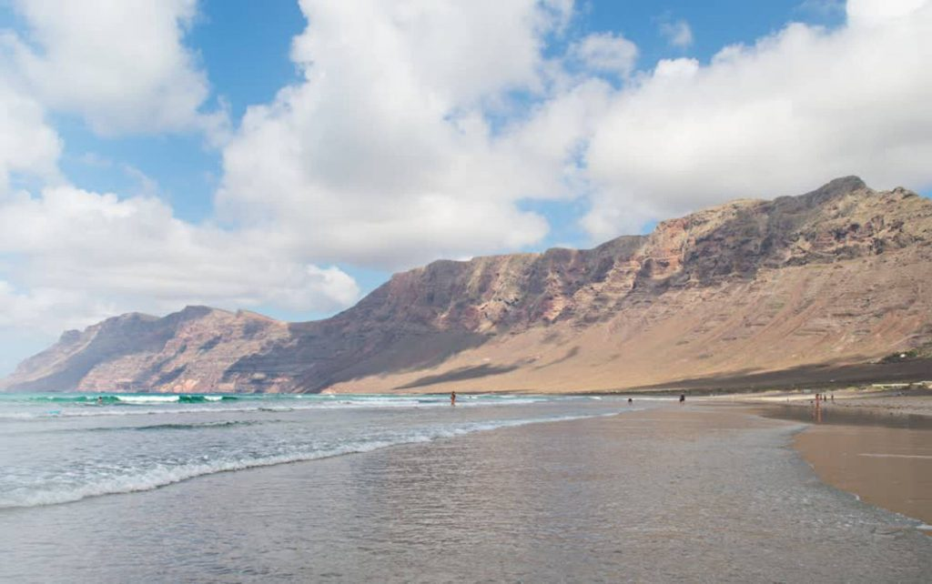 Todo Mundo e Bom visitare Lanzarote guida completa, Playa Famara e Caleta de Famara