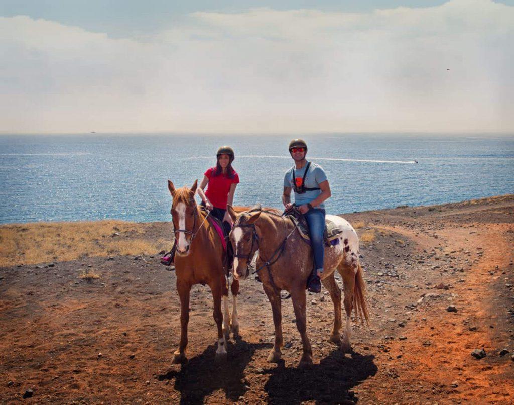 Todo Mundo e Bom visitare Lanzarote guida completa, Puerto Calero a cavallo
